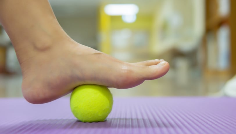 10 Tips To Fix Flat Feet Related Health Issues